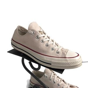 Converse Chuck Taylor sneakers women's size 9
